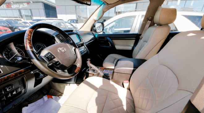 2012 white Toyota Land Cruiser GXRi V8 available for sale in Abu Dhabi
