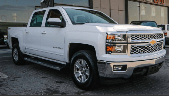2015 White Chevorlet Silverado LT available for sale in Abu Dhabi.