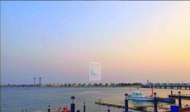 4 Br sea front villa for sale in durrat Bahrain