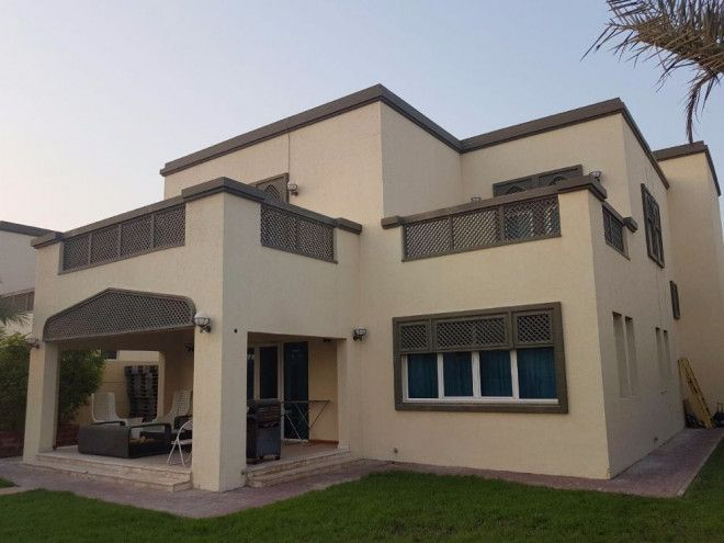 5 Bathrooms Villa For Sale In Dubai - Jumeirah Park just 4.8M