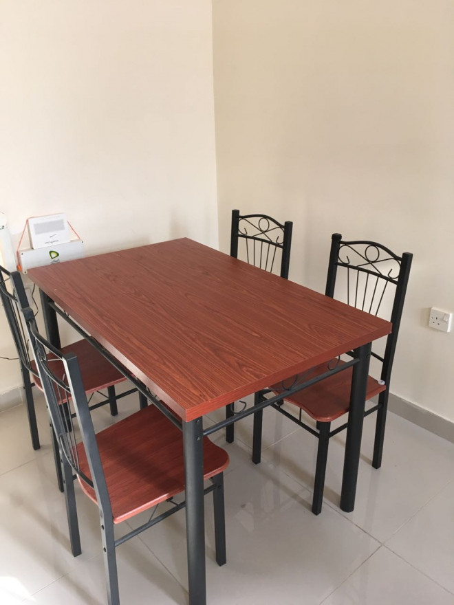 Dining table with chairs for sale abu dhabi uae