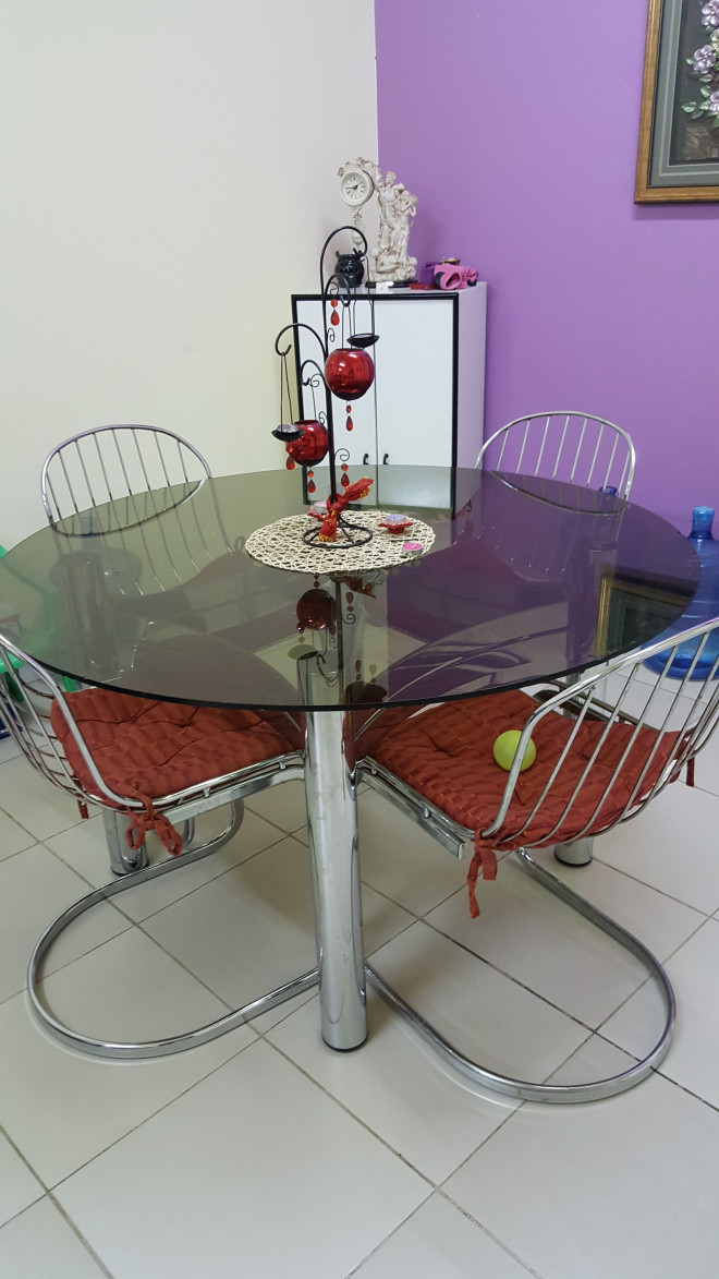 Round Glass Dining Table For Sale In Sharjah
