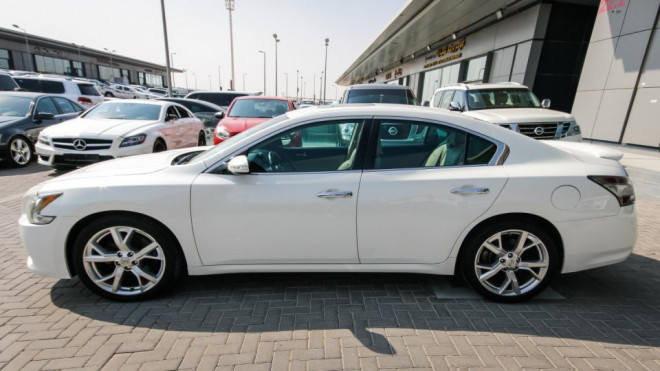 2012 Nissan Maxima Available for Sale in Abu Dhabi
