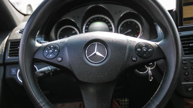 2011 Mercedes-Benz C 300 4MATIC Available for Sale in Abu Dhabi