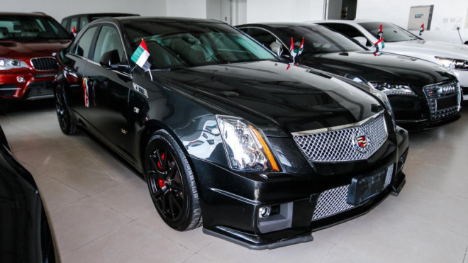 2013 cadillac cts v8 available for sale in abu dhabi abu dhabi uae storat. Black Bedroom Furniture Sets. Home Design Ideas