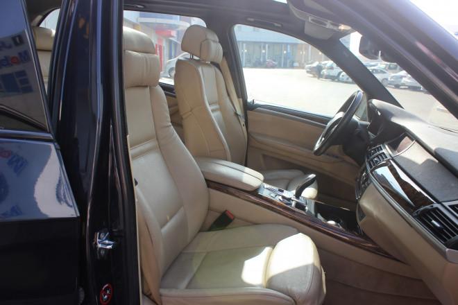 BMW X5 4.8L Full Option - Lady driven, Low kilometer