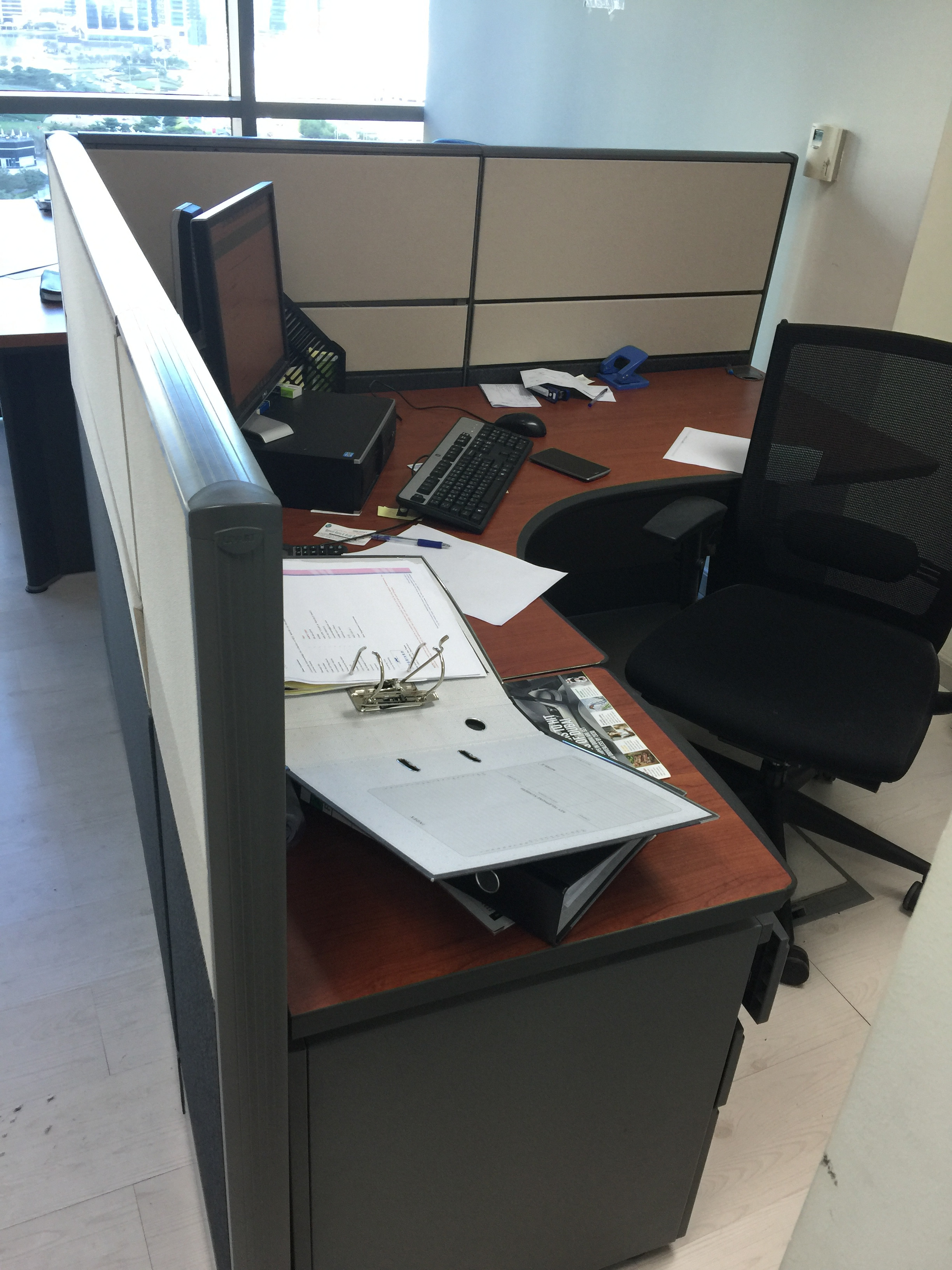 Office Furniture Very Good Condition Almost Free Dubai Uae Storat