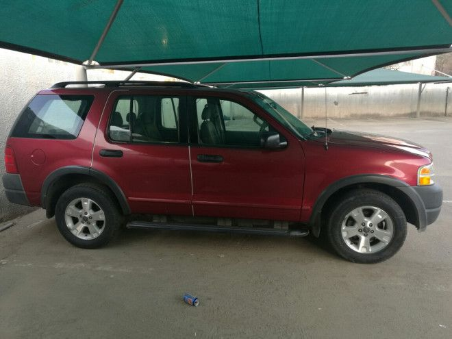 2003, Ford Explorer Automatic available for sale in Jeddah, Baghdadiya