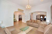Compound 5 Bed Beautiful villa
