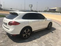 Excellent Quality Porsche Cayenne S Panoramic Roof  for sale in Dubai