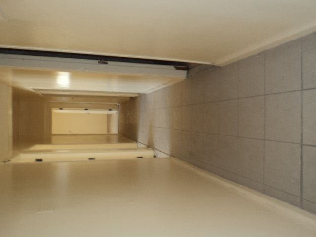 Hurry 3 BHK apartment well maintained going really cheap ( just 75000 AED )