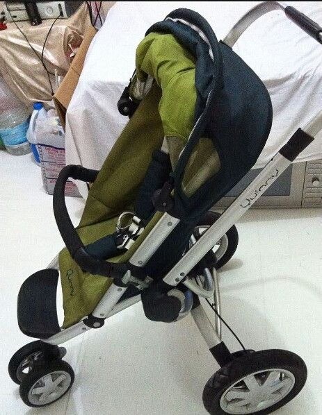 Quinny folding stroller perfect inside outside