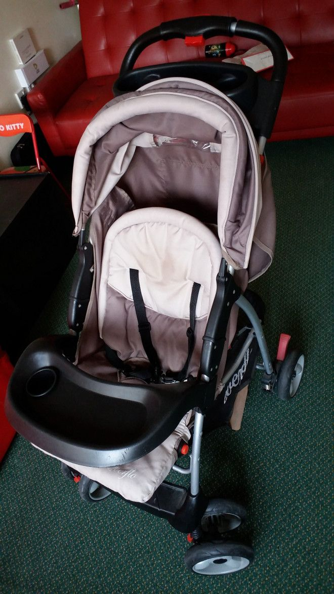 Baby Stroller rarely used for sale in Abu Dhabi