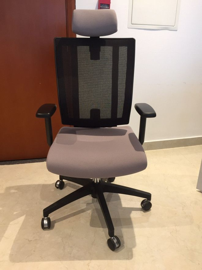Office furniture in very good condition for sale dubai for Good office furniture