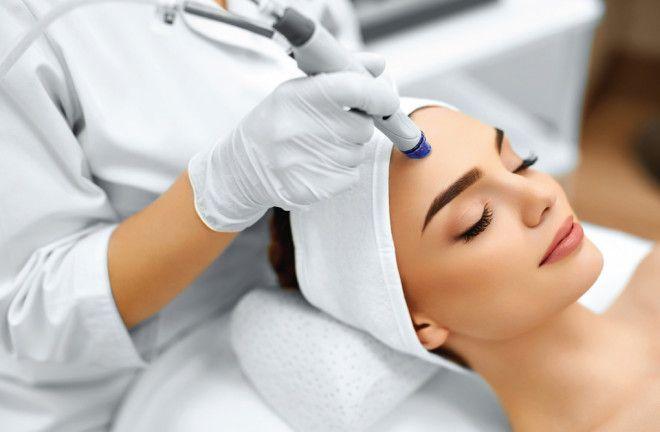 علاج هيدرافيشل (تنظيف الوجه) في ابوظبي - التقشير الكيميائي