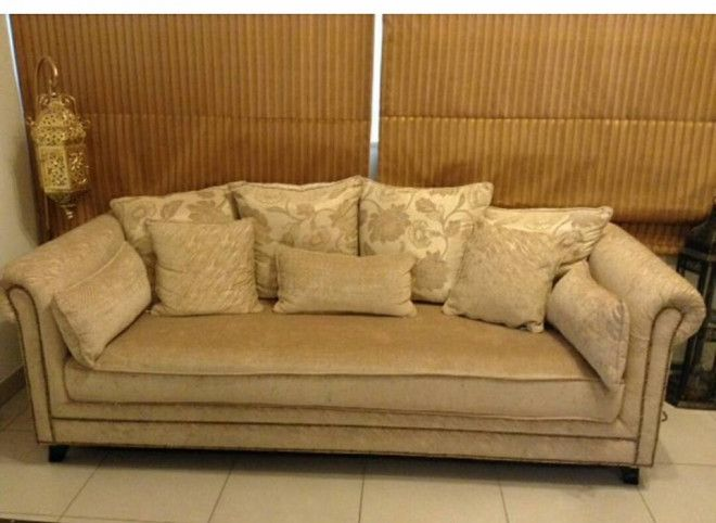 Sofas For Sale Mint Condition Homes R Us Dubai Uae Storat