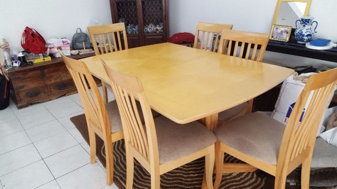 Dining Table With 6 Chairs And Retractable Top For Sale In Sharjah