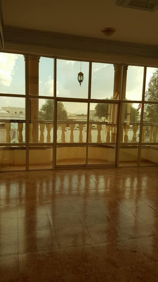 Wonderful villa for rent with very high finishing in the area of the fold