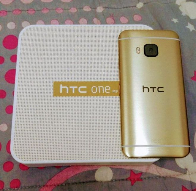 HTC One M9 Gold on Gold. 32GB. Same like New