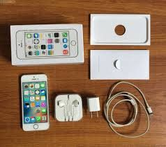IPhone 5s 32GB With Box And Warranty Silver Gold Black Colours