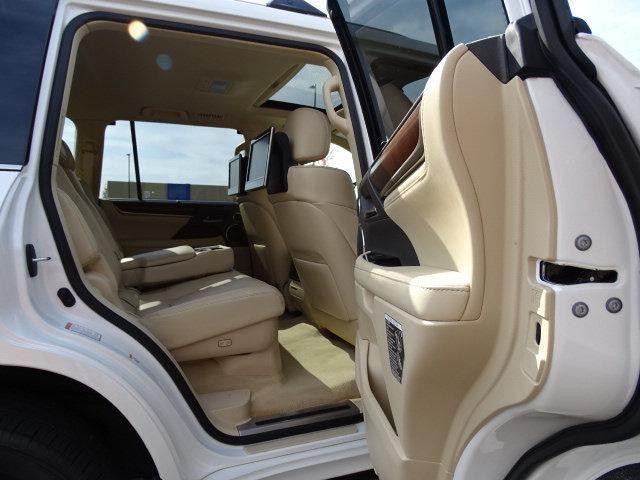 Lexus LX 570, 2016, 15 000 km only, for urgent sale.