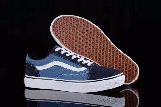 4dd554d01d9f2f Original Vans Shoes for Men For Sale In Abu Dhabi - (Classic Old School)