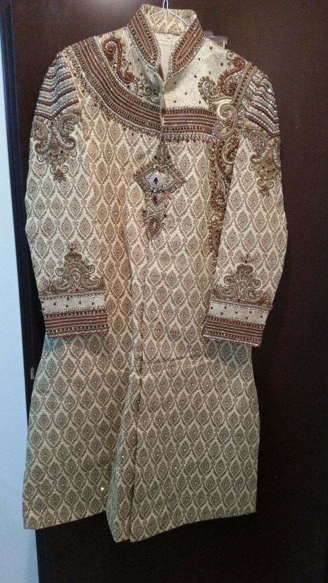 Sherwani Set (Indian Groom outfit) for sale in Sharjah. red churidaar pant.