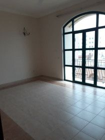 Spacious flat for rent in Adliya
