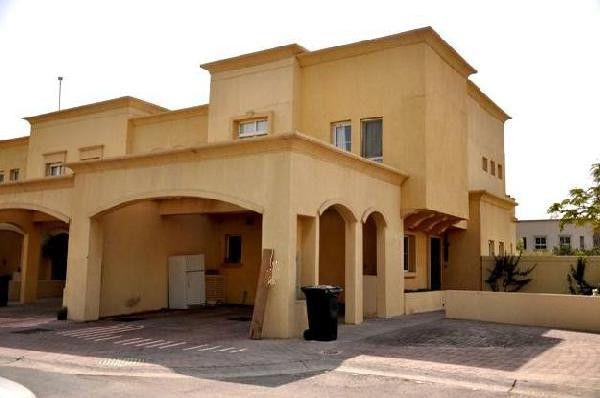 3 Bedrooms Villa For Rent In Dubai - Close To Lake