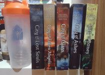 Usused books by James patterson, Blyton, book sereis for sale in dubai