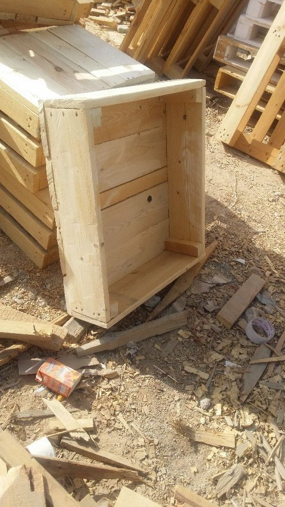 Wooden Pallets Pets and Dogs Boxes For Sale In Dubai - Cheap Prices