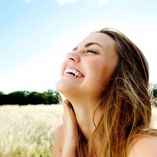5 Tips For A Perfect White Smile This Summer