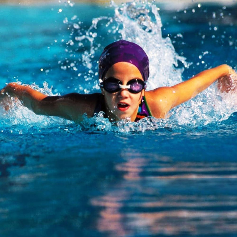 Top 10 benefits for teaching your kids swimming in UAE