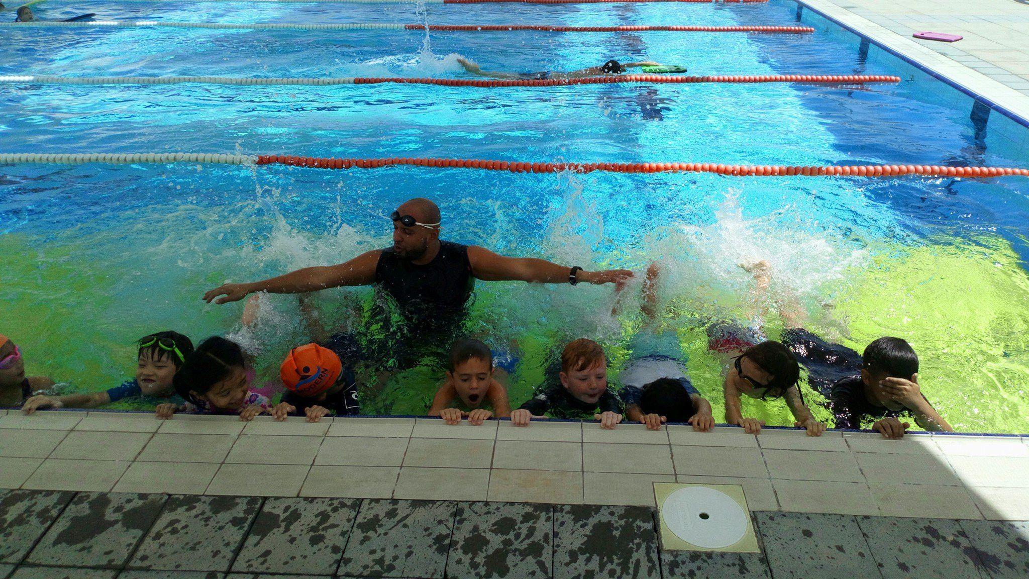 أكاديمية مودرن لتعليم السباحة 9