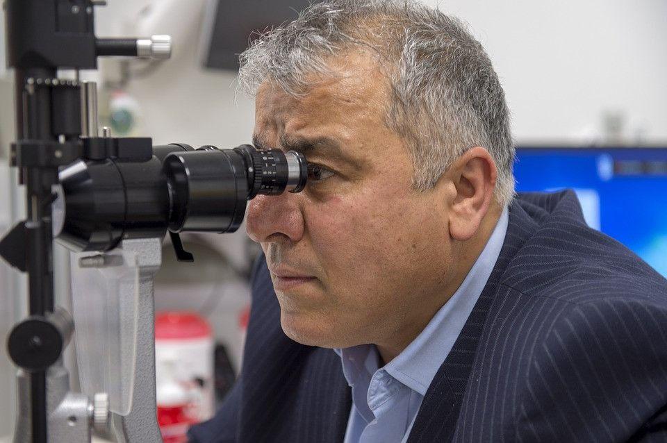 Prof. Sakla Spanish Eye Clinic 6