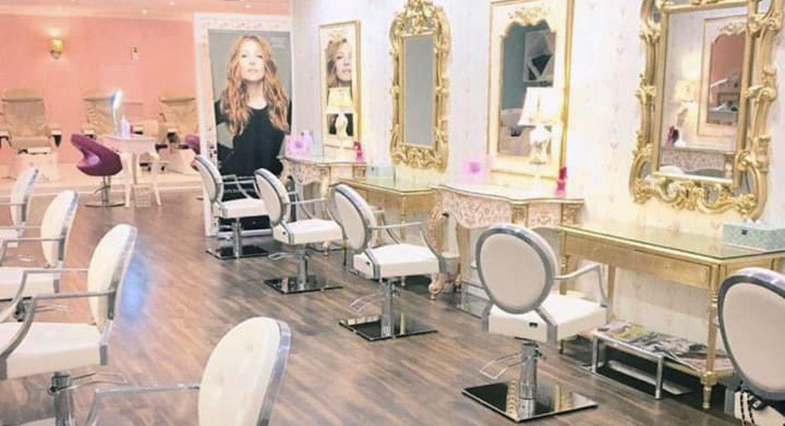 Pout Salon & Spa 0