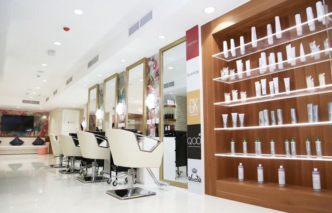 Mirrors Beauty Lounge 1