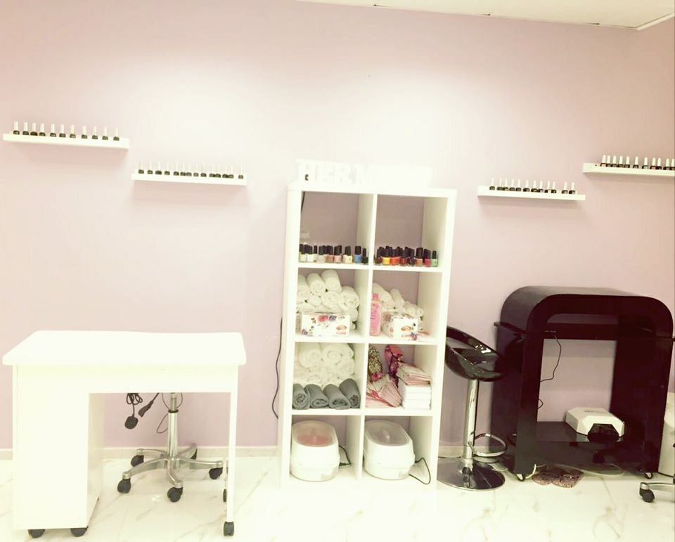 Hermosa Ladies Beauty Salon 3