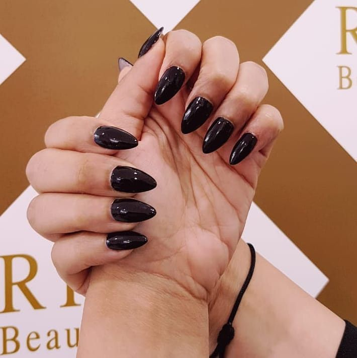 Rival Beauty Lounge 4