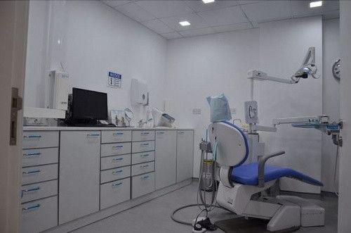 Royal Dental Clinic 1