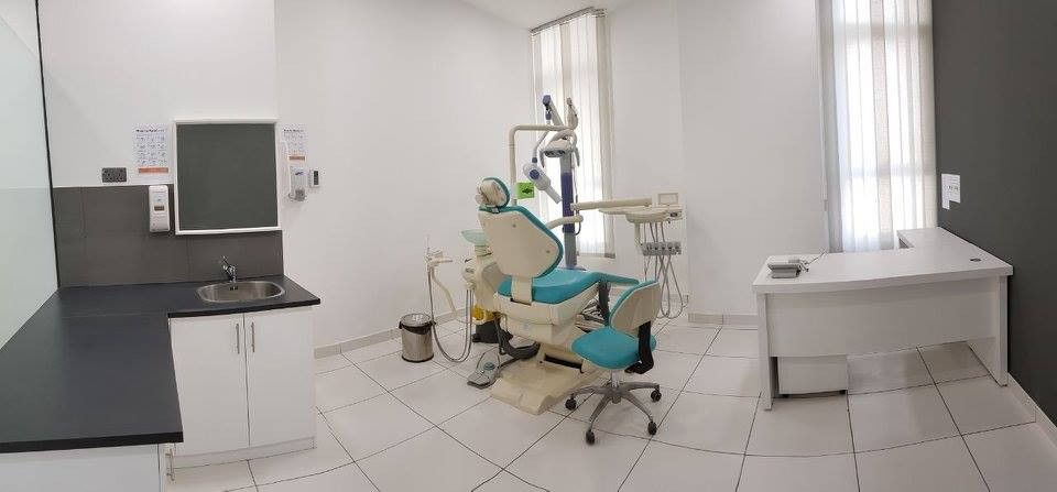 Dr. Vipin Orthodontic And Dental Clinic 1