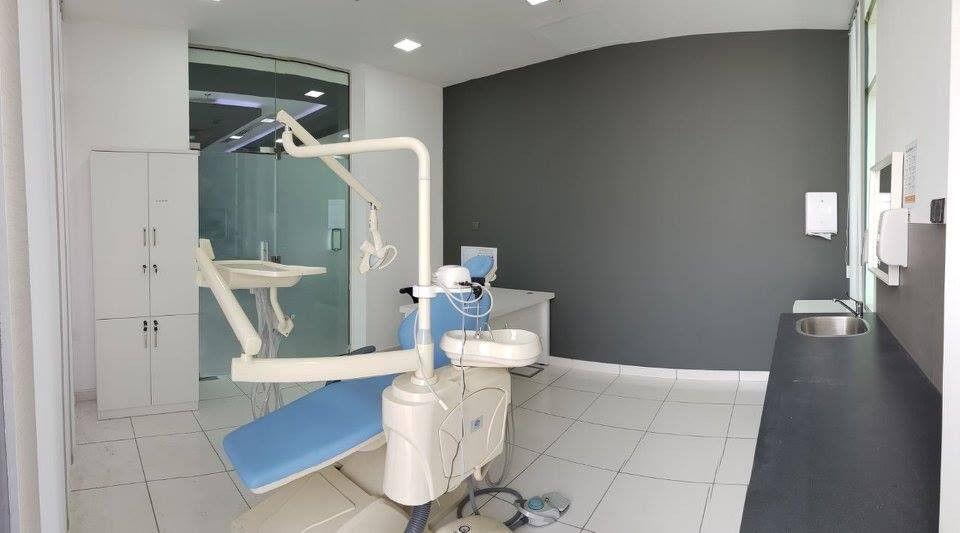 عيادة الدكتور فيبنس لتقويم و طب الاسنان 4