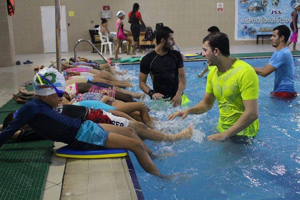 اكاديمية جاتورز للسباحة 1