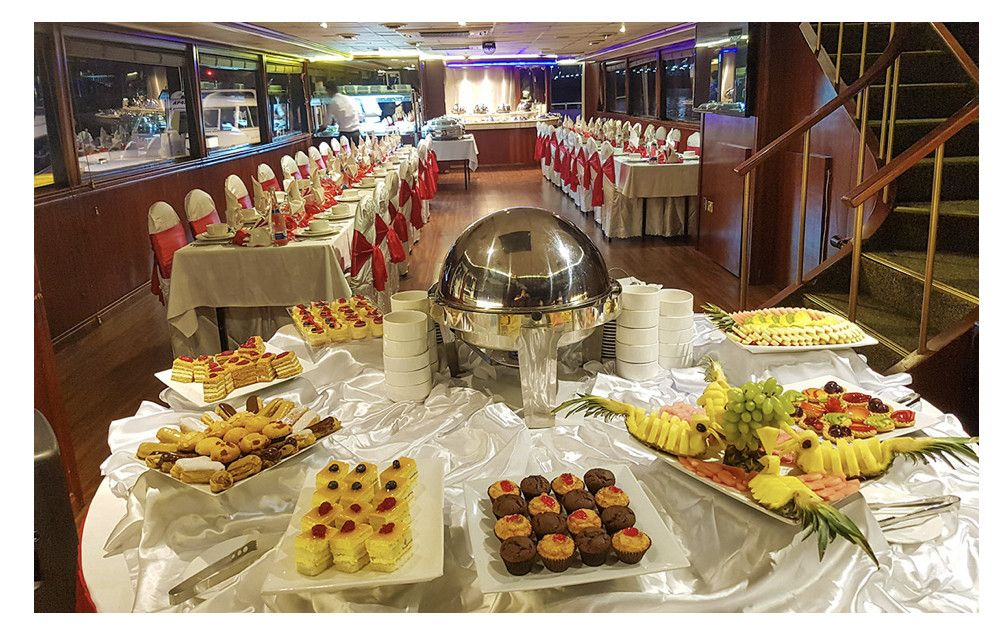 Royal Yacht Restaurant 9