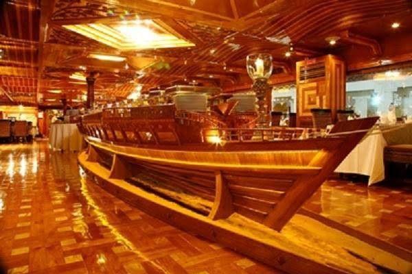 Rustar Floating Restaurant  1