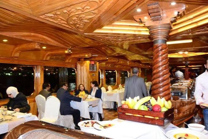 Rustar Floating Restaurant  2