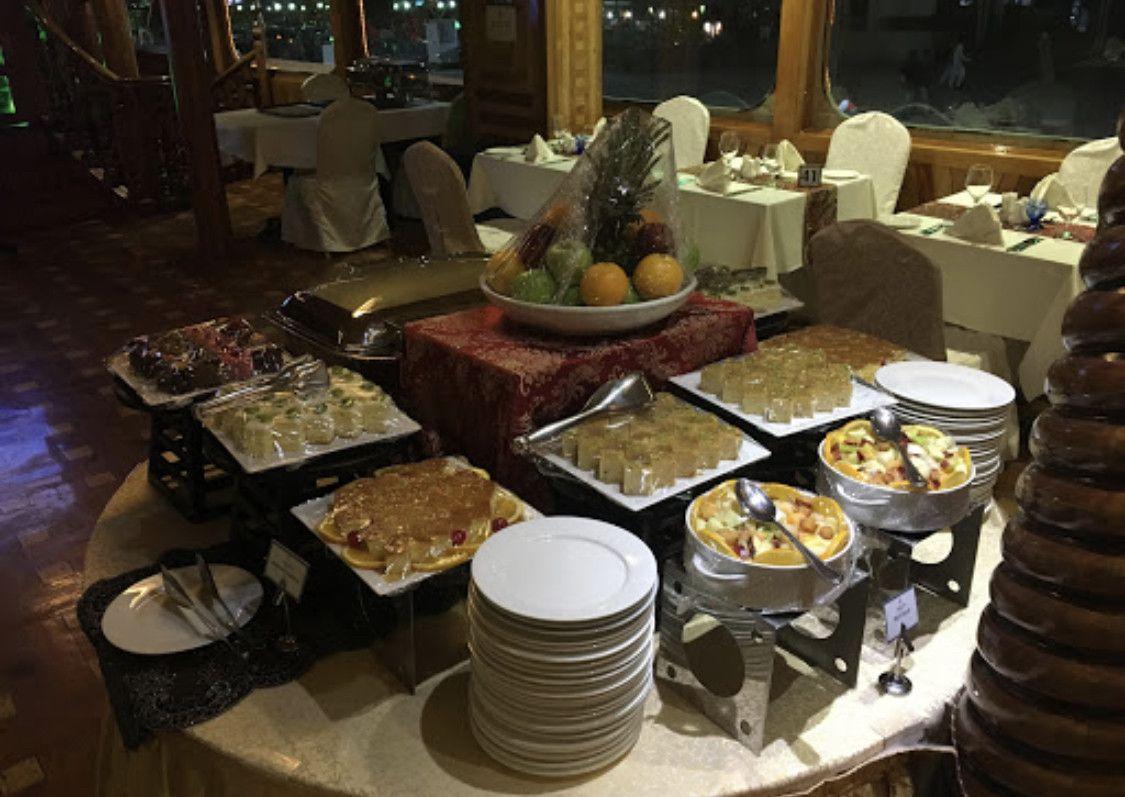Rustar Floating Restaurant  3