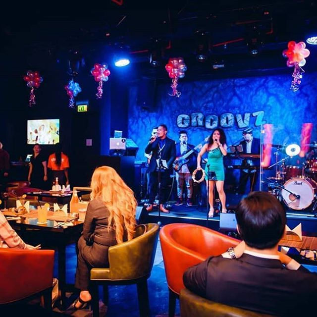 Groovz Bar & Restaurant 7